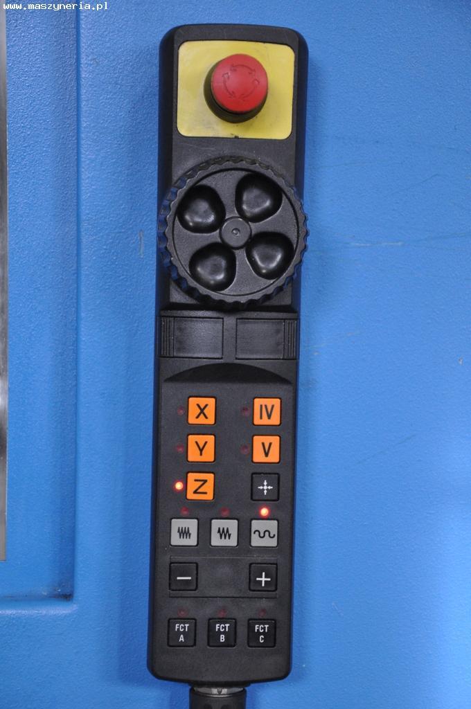 Elektroniczne kółko ręczne do ręcznego sterowania maszyną.